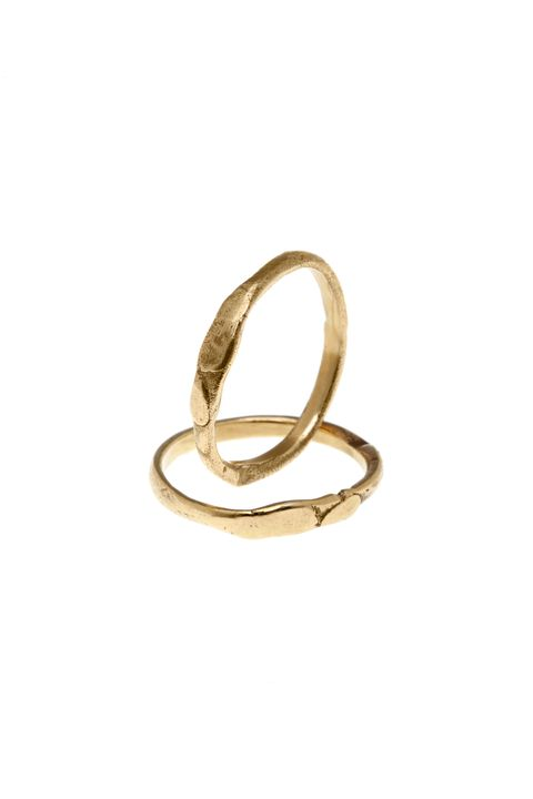 Jewellery, Fashion accessory, Ring, Body jewelry, Metal, Bangle, Circle, Finger, Wedding ring, Gold,
