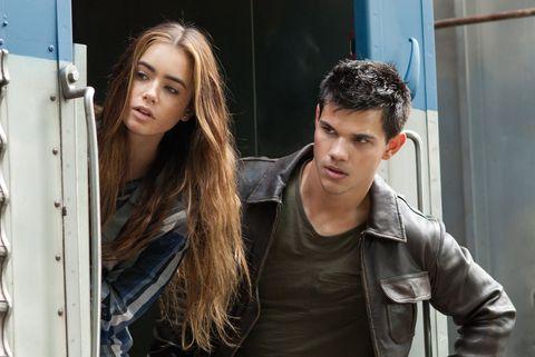 等待《艾蜜莉在巴黎》第二季,不如先看看莉莉柯林斯這10部高分電影