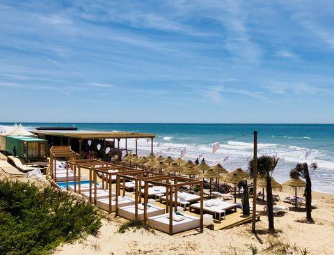 Chiringuito Atenas Playa en Cádiz