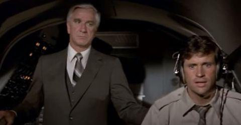 aterriza como puedas 1980, con leslie nielsen y robert hays