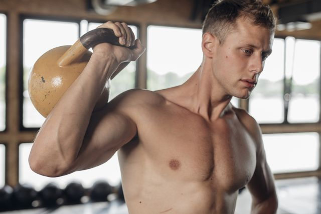 entrenamiento con pesa rusa
