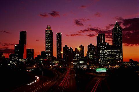 Cityscape, Metropolitan area, City, Sky, Urban area, Skyline, Metropolis, Skyscraper, Human settlement, Dusk,
