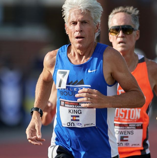 atleta de 61 años, récord mundial de la milla