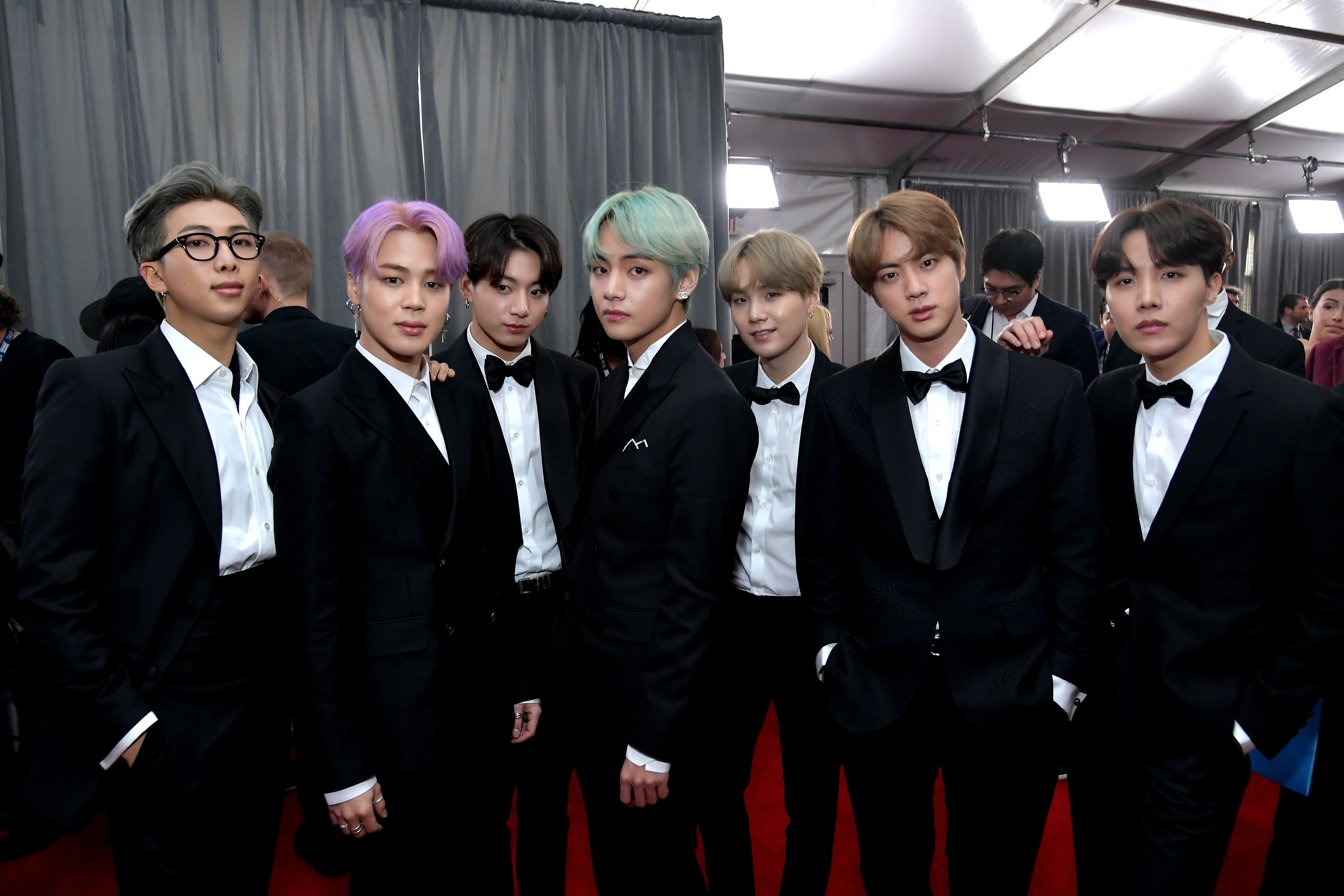 What Bts S V Rm Suga Jimin Jungkook Jin And J Hope Wore On Grammys 2019 Red Carpet