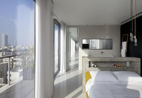 Room, Architecture, Property, Interior design, Bed, Real estate, Wall, Glass, Floor, Ceiling,