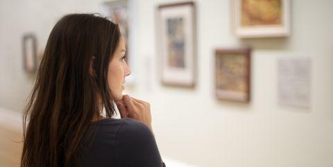 Attractive Woman in an Art Gallery (XXXL)