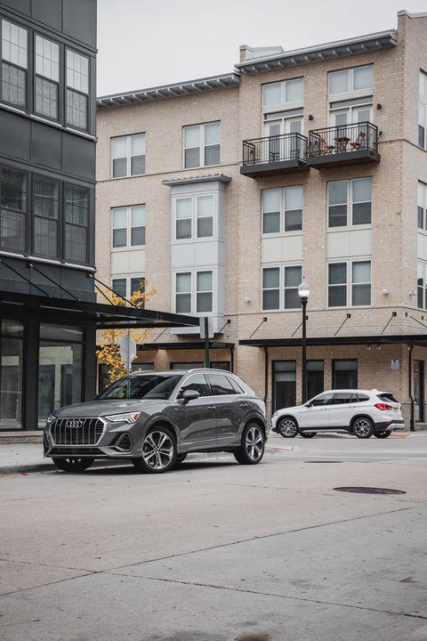 Land vehicle, Vehicle, Automotive design, Car, Luxury vehicle, Urban area, Personal luxury car, Mid-size car, Performance car, Street,