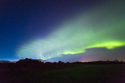 Sky, Nature, Green, Aurora, Atmosphere, Atmospheric phenomenon, Cloud, Natural landscape, Horizon, Night,