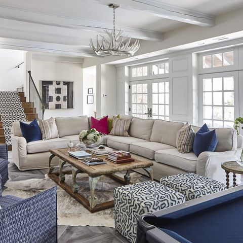 Living room, Room, Property, Furniture, Interior design, Home, Building, Coffee table, Ceiling, House,