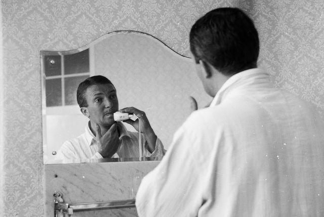 shaving captain