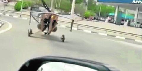 autogiro en carretera