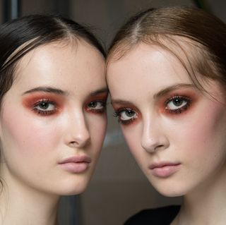 Autumn Winter 2018 Hair and Makeup Trends - 79 Best Beauty Looks