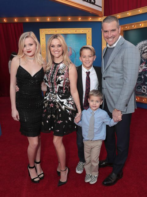 Who Is Jim Toth Reese Witherspoon S Husband Facts Tennessee james toth was born on 27th september 2012, in los angeles, california, the united states of america. jim toth reese witherspoon s husband