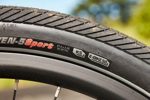 Bike Tire Pump Guide How To Put Air In A Bike Tire