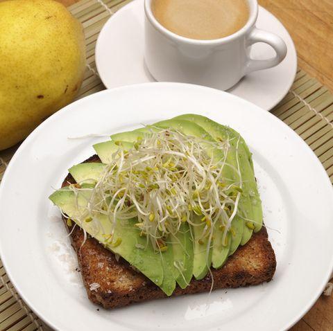 Avocado combinatie met alfalfa