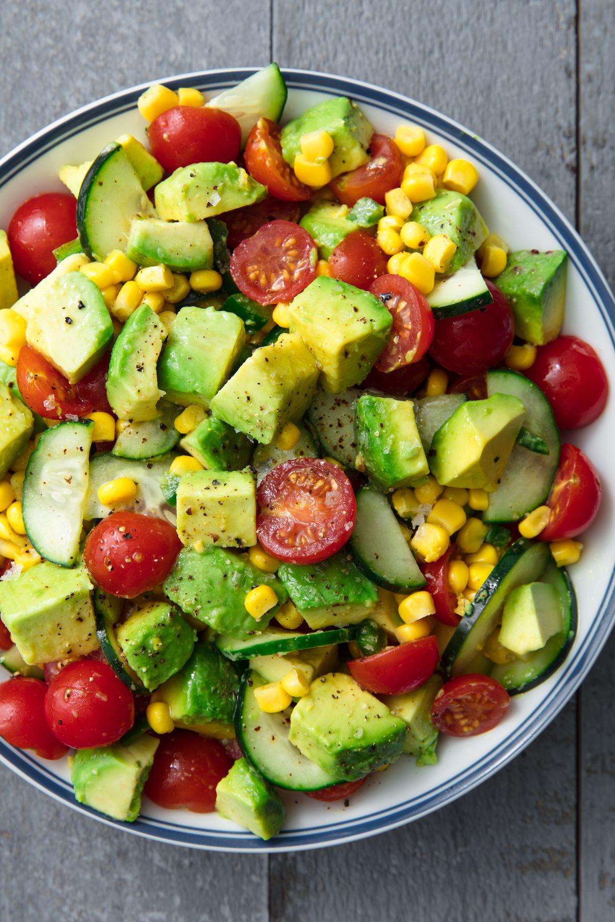 Salads with avocado: recipes