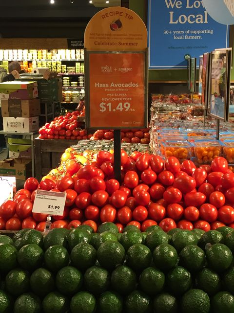 Natural foods, Local food, Whole food, Marketplace, Grocery store, Selling, Tomato, Fruit, Solanum, Vegetable,