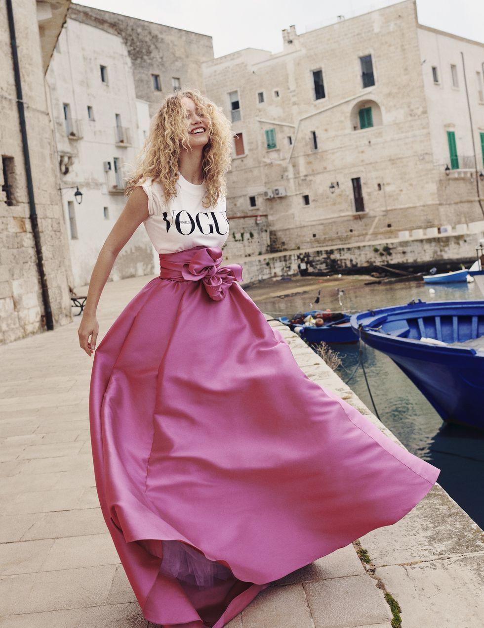 Vogue T-shirt met oversized rok