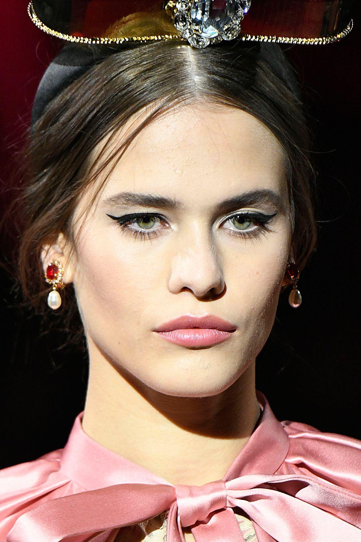 Autumn/winter 2019 make-up trends - Catwalk beauty trends AW19