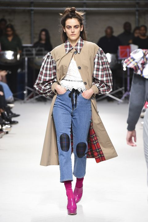 Fashion show, Fashion model, Fashion, Runway, Clothing, Street fashion, Jeans, Tartan, Plaid, Fashion design,