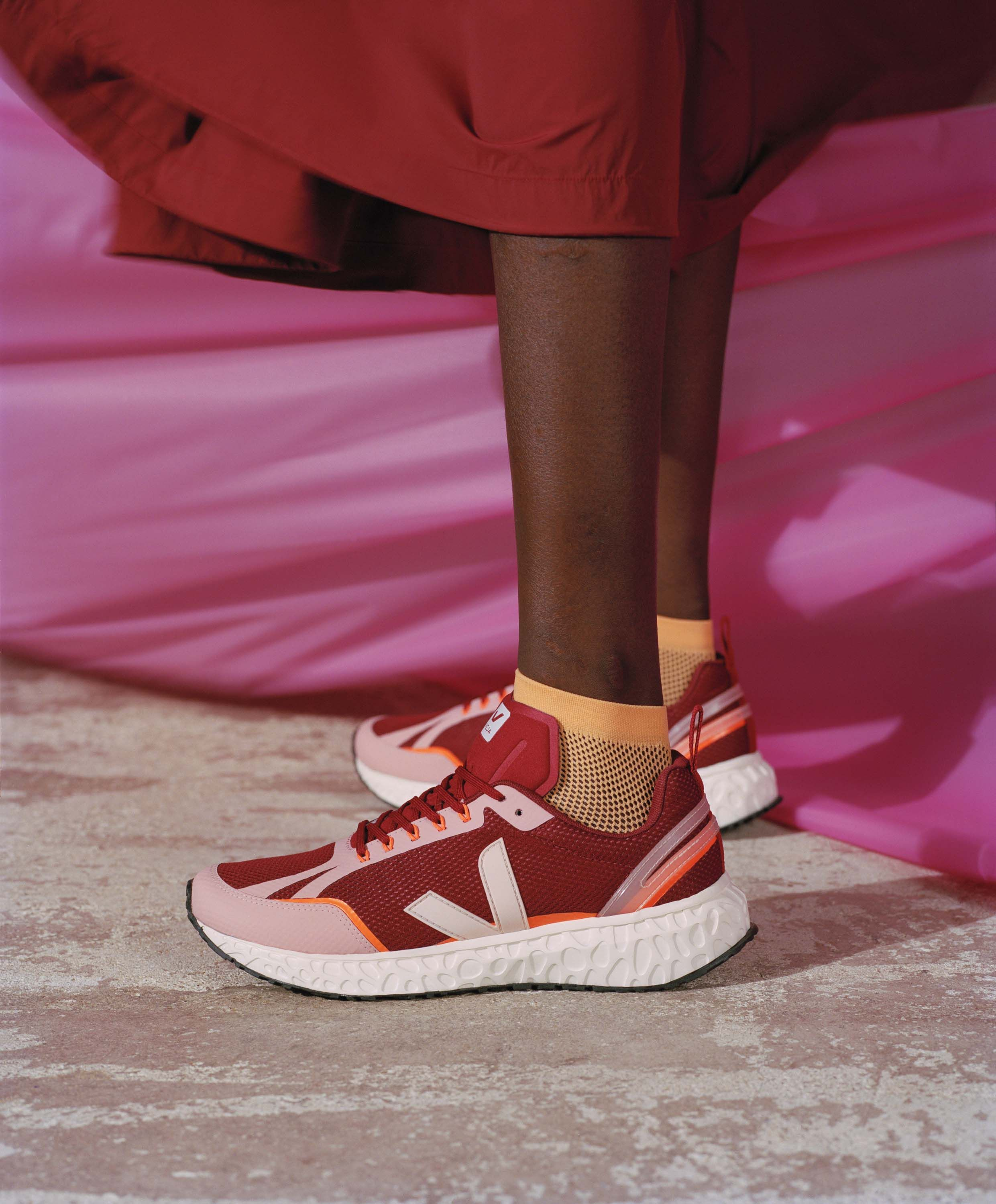 VEJA launch their first environmentally-friendly running shoe
