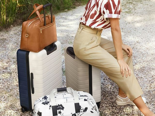 Away Luggage Review 2019 Durable Stylish And Worth The