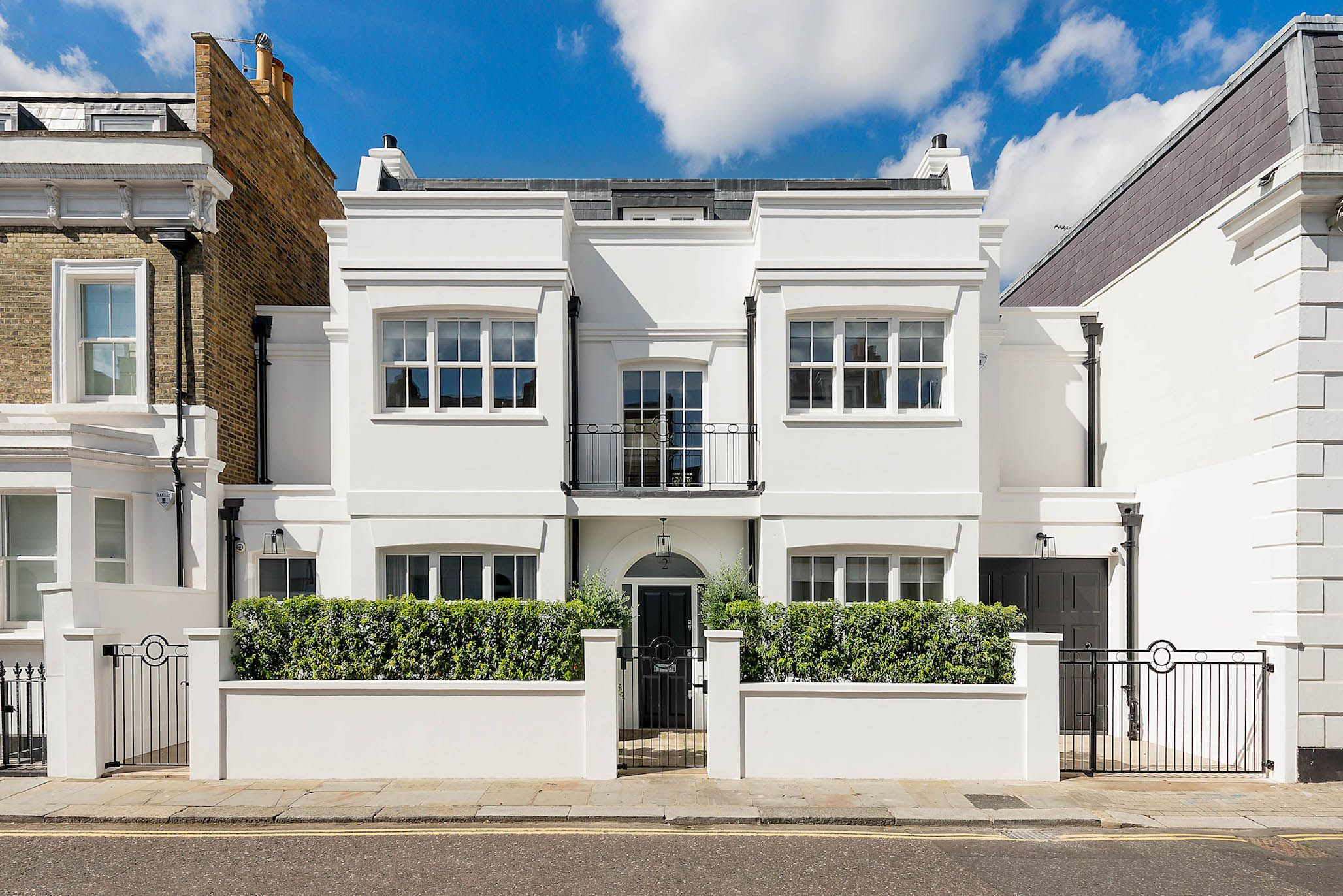 Family House With Spectacular Roof Terrace Garden For Sale In Chelsea