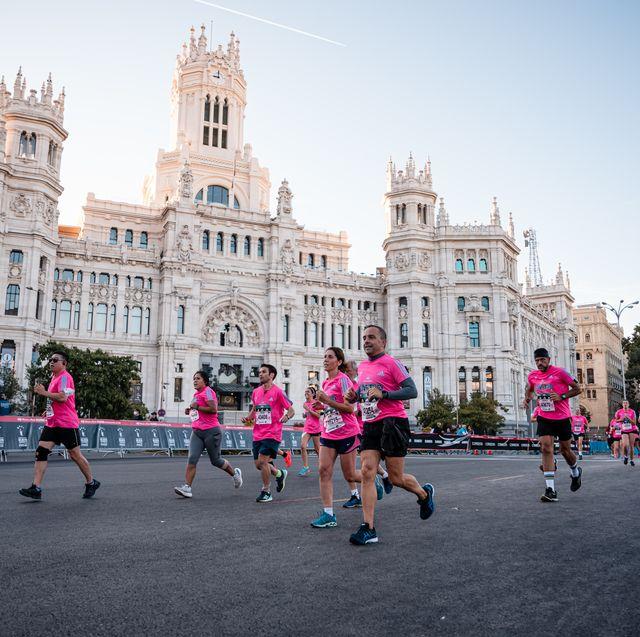 corredores en el edp rock 'n' roll madrid maraton 2021
