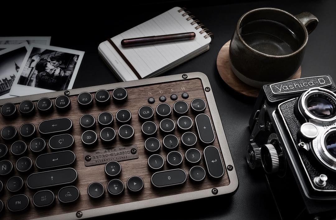 La tastiera Azio Retro Classic è un piccolo miracolo di design