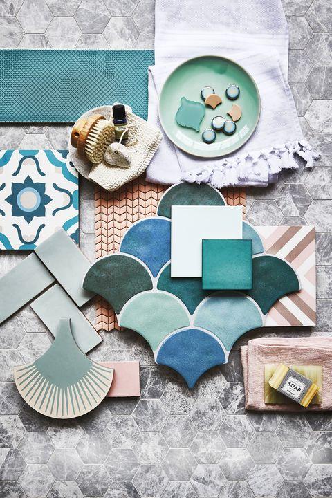 azulejos de colores y distintas formas para el baño