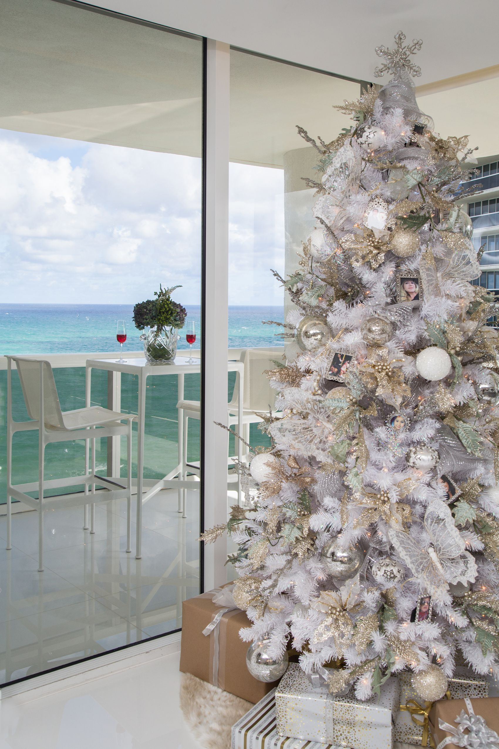 coastal-christmas-decor