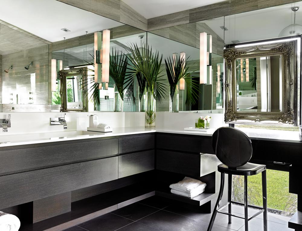 image . & 20 Beach Bathroom Decor Ideas - Beach Themed Bathroom Decorating