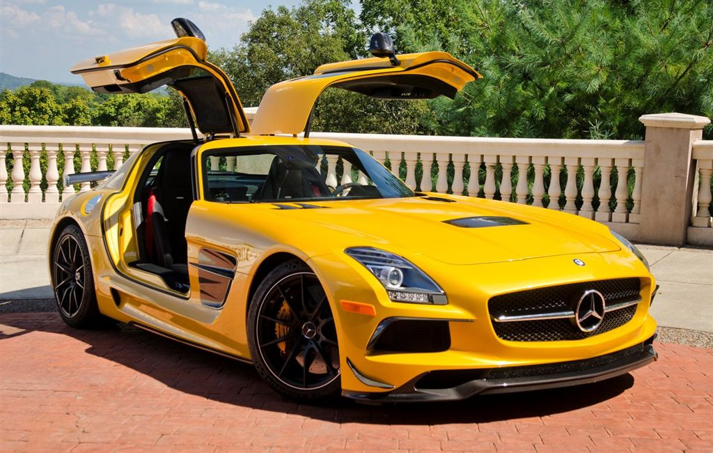 The SLS AMG Black Series Is Still the Coolest Mercedes Supercar