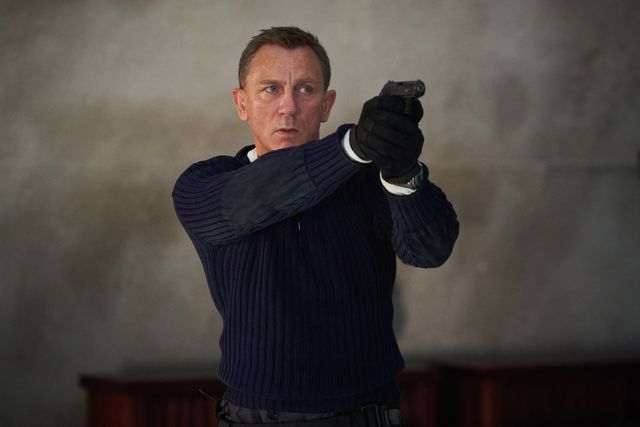 b2525594rjames bond daniel craig prepares to shoot in no time to die, a danjaq and metro goldwyn mayer pictures filmcredit nicola dove© 2019 danjaq, llc and mgm  all rights reserved