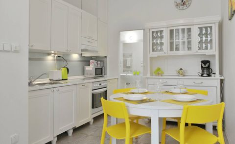 Prague Airbnb for girls' holiday