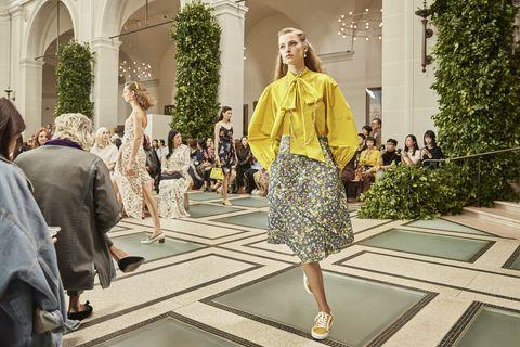 Tory Burch在紐約布魯克林博物館舉辦2020春夏時裝秀