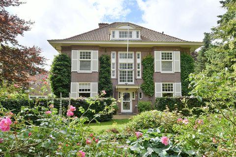 House, Home, Property, Building, Real estate, Estate, Cottage, Garden, Botany, Manor house,