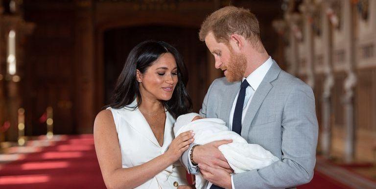 Baby Sussex geboortjepakje G.H.Hurt & Son