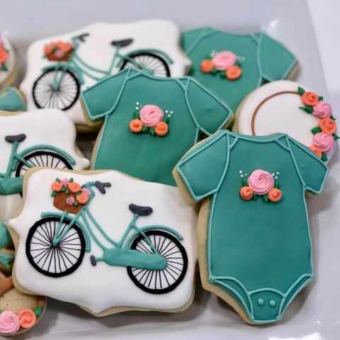 baby shower cookies in green and white