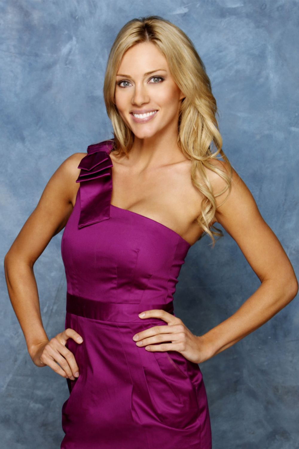 "Rozlyn Papa ('The Bachelor' Season 14) Rozyln Papa's exit from The Bachelor season 14 was highly uncomfortable to watch. While competing for the love of bachelor Jake Pavelka, Rozlyn was accused of engaging in an ""inappropriate relationship"" with one of the show's producers."