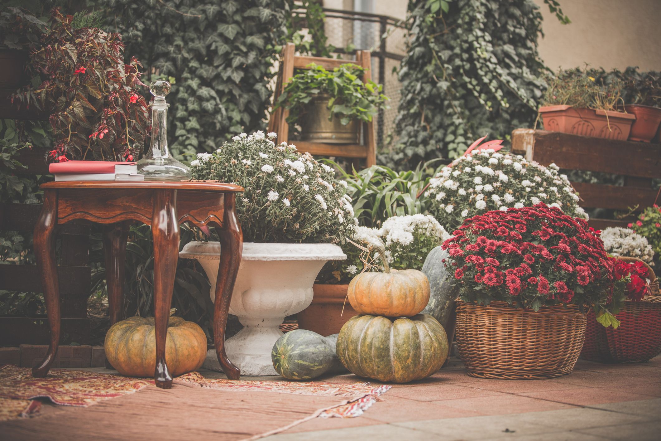 15 Stylish Fall Decorating Ideas How To Decorate Your Home For Autumn 2020