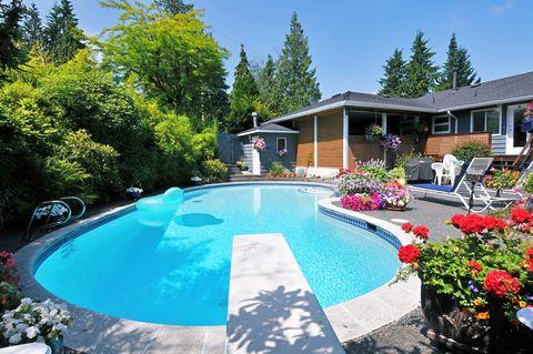 piscina cortile