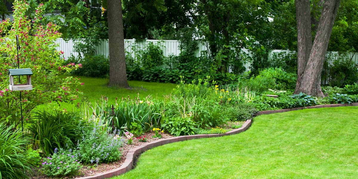 How to Make a Stone Border for a Flower Bed - What Can I ...