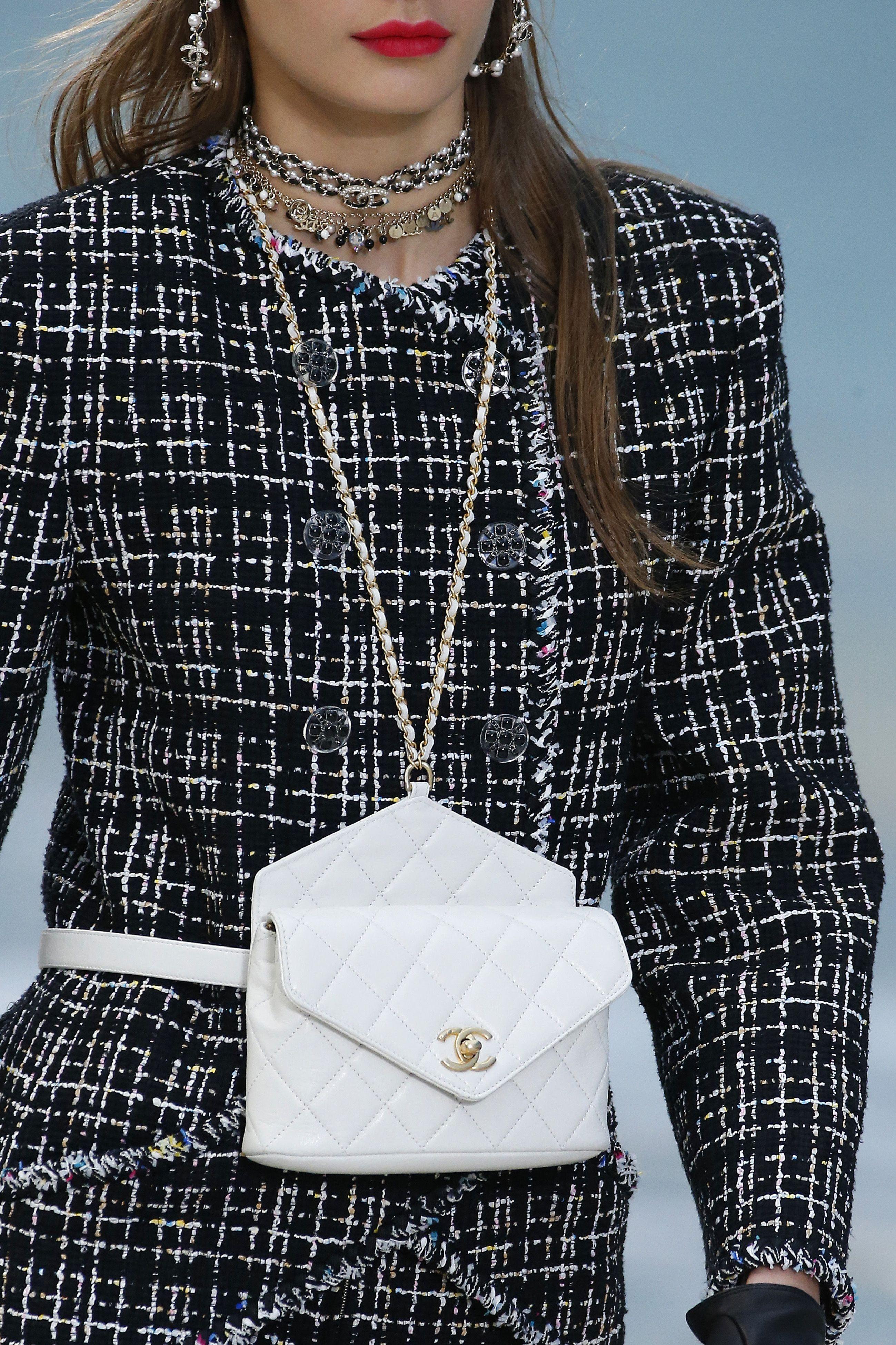 Chanel : Details - Paris Fashion Week Womenswear Spring/Summer 2019