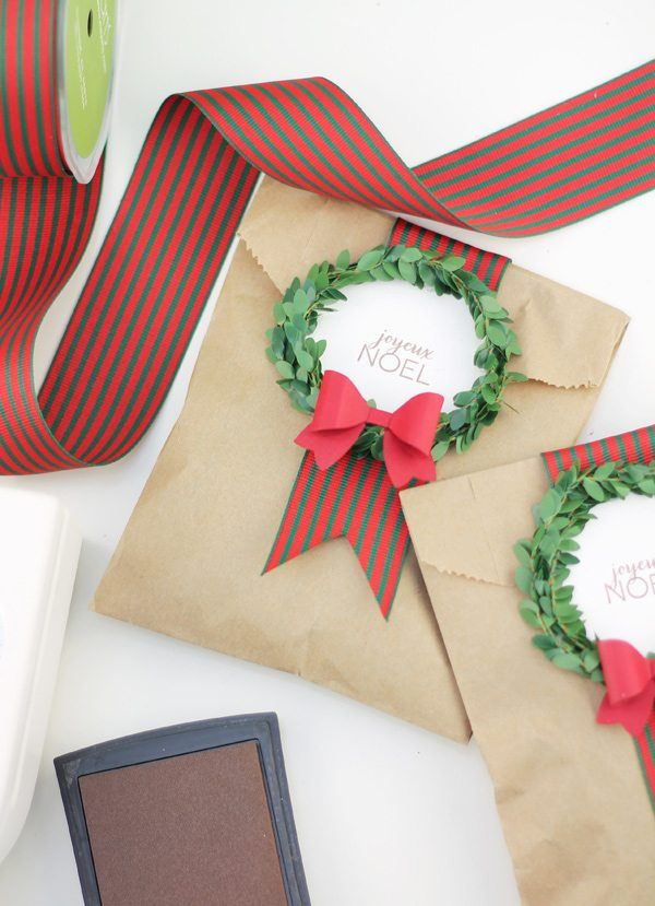 diy wreath bag gift wrap idea & 39 Unique Gift Wrapping Ideas for Christmas - How to Wrap Holiday ...