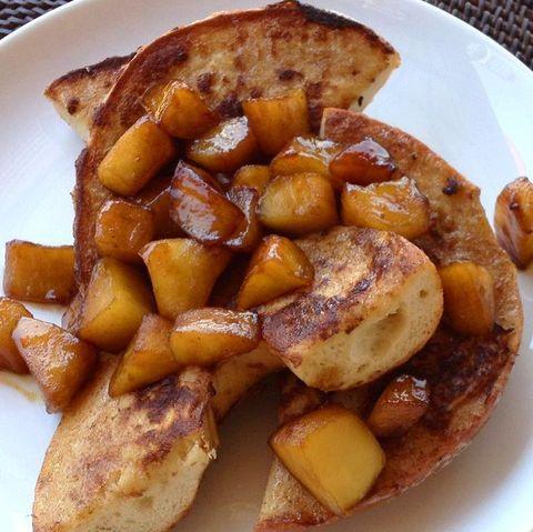 Bagels tostados con manzanas al Bourbon