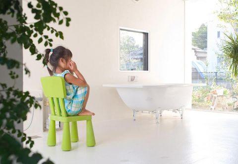 Product, Bathtub, Plumbing fixture, Comfort, Bathtub accessory, Sitting, Composite material, Outdoor furniture, Plumbing, Tap,