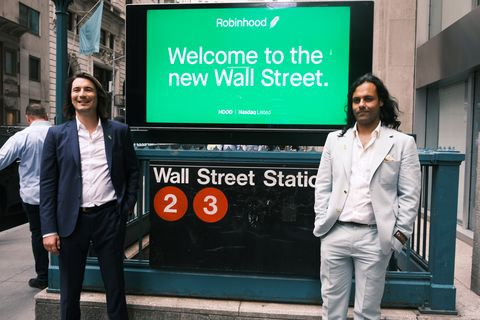 stock trading platform robinhood goes public on the new york stock exchange