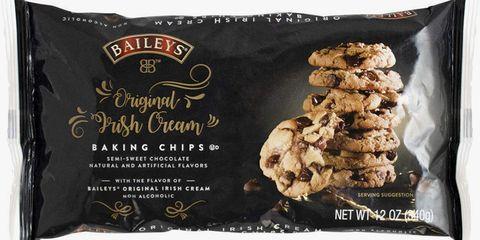 Food, Snack, Chocolate chip, Ingredient, Cookie, Cuisine, Chocolate chip cookie, Dish, Chocolate, Oatmeal-raisin cookies,