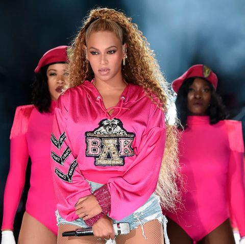 Pink, Fashion, Fashion model, Fashion show, Beauty, Model, Event, Magenta, Runway, Blond,